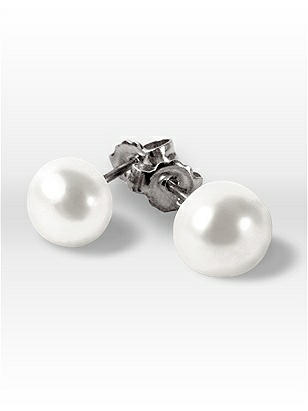 Freshwater Pearl Earrings http://www.dessy.com/accessories/pearl-earrings/
