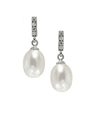 Pearl Deco Drop Earrings http://www.dessy.com/accessories/pearl-earrings-post/